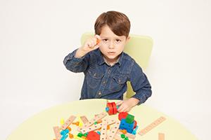 二歳児、おもちゃを友達からとってしまう行為について